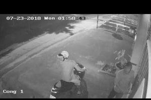 Clip: 'Đạo chích' đánh cắp xe Toyota Venza để trước sân nhà