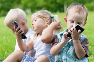 Dạy trẻ cách sử dụng smartphone sao cho đúng