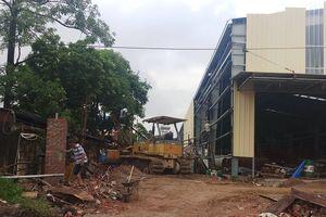 Thanh Hóa: Sập tường rào, 4 công nhân thương vong
