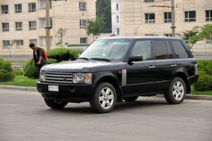 Đếm xe sang tại đất nước kì lạ Triều Tiên, 'choáng' với xe cảnh sát