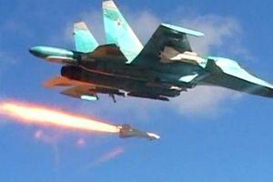 Tàu chiến nổ tan tành sau khi trúng tên lửa từ siêu tiêm kích bom Su-34 Nga