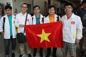 Học sinh Việt Nam giành 2 huy chương vàng Olympic Vật lý quốc tế 2018