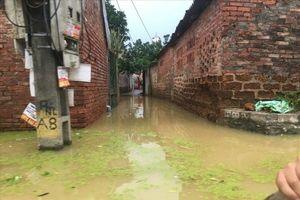 Hà Nội: Ngập lụt kéo dài, người dân Chương Mỹ đứng trước nguy cơ thiếu nước sạch