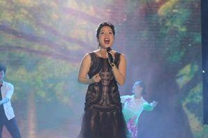 Mỹ Linh làm mới nhạc cổ điển, Noo trình diễn hit trước 5.000 khán giả