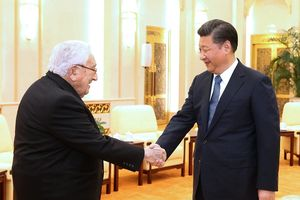 Bị 'Người bạn lớn' Kissinger 'quay lưng trở mặt', Trung Quốc điên đầu