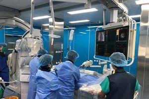 Điều trị thành công bệnh nhi tim mạch bẩm sinh bằng máy DSA