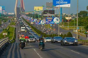 Hành trình từ Trái tim: Xuyên Việt với dàn xe 'khủng' chưa từng có
