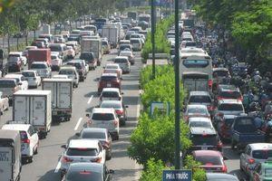 TP.HCM: Cầu vượt giải cứu kẹt xe đã thông nhưng đường vẫn tắc