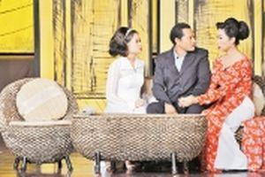 Chữ 'tình' trên sân khấu kịch thành phố