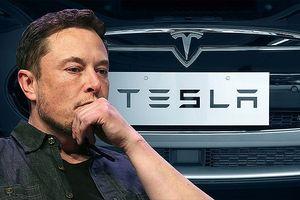 Tesla báo lỗ kỷ lục hơn 717 triệu USD trong quý II