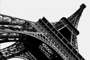 Công nhân đình công, tháp Eiffel phải tạm thời đóng cửa