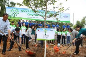 Phát huy đạo lý 'Uống nước nhớ nguồn', Vinamilk trồng 100.000 cây xanh tại Bắc Kạn