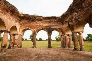 Phế tích cổ mộ an táng Hoàng hậu Ấn Độ