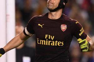 Cech đặt mục tiêu thi đấu đỉnh cao đến năm 40 tuổi như Van der Sar
