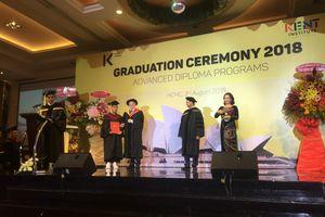 Thêm 118 sinh viên tốt nghiệp