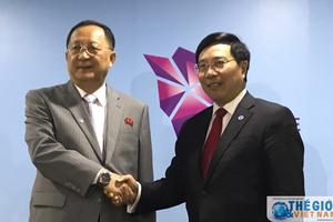 Phó Thủ tướng Phạm Bình Minh gặp Bộ trưởng Ngoại giao Triều Tiên