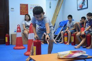 Độc đáo trại hè kỹ năng sinh tồn như lính SEAL cho trẻ em