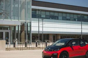 Chi phí phát triển xe điện kéo tụt lợi nhuận của hãng xe sang BMW
