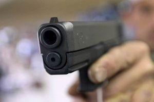 Mâu thuẫn trong quán nhậu, thanh niên dùng súng bắn chết người