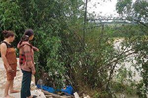 Nghệ An: Sạt lở nghiêm trọng đe dọa 22 hộ dân ở bờ sông Hiếu
