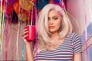 'Hot girl số 1 Hollywood' nhuộm tóc bạch kim ăn mừng tuổi 21