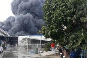Gần 300 Cảnh sát PCCC hơn 3h chiến đấu với giặc lửa ở TP HCM