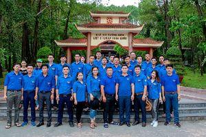 Hành trình về nguồn của Đoàn Thanh niên Công ty Than Thống Nhất