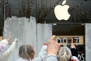 Nhờ Apple, chứng khoán Mỹ ngược dòng thế giới