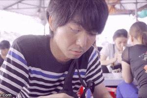 Phản ứng của nam sinh Nhật Bản trong lần đầu thử ốc Hải Phòng