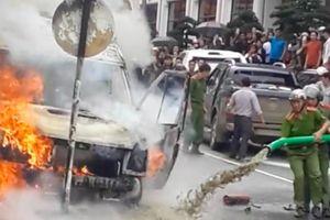 Chữa cháy ô tô hy hữu, chủ xe hút bể phốt ở Sa Pa nói gì?