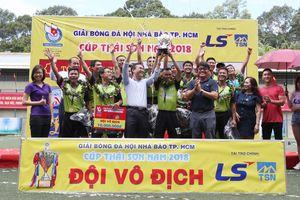 Báo Thanh Niên bảo vệ thành công ngôi vô địch giải bóng đá Hội nhà báo TP.HCM