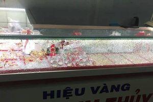 Quảng Nam: Truy tìm nam thanh niên bịt mặt cướp tiệm vàng