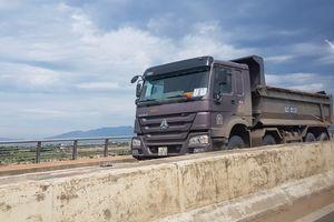Thanh tra giao thông phải kiểm tra, xử lý xe quá tải trên QL 12B