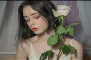 Cô gái Nga khiến hàng triệu người chao đảo vì nhan sắc yêu kiều