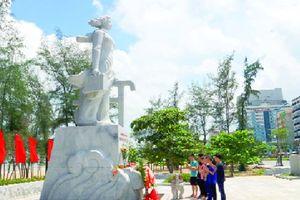 Biển Sầm Sơn hát mãi tên người con gái anh hùng