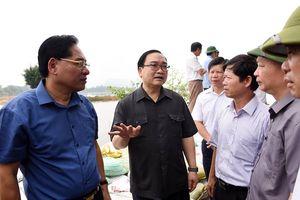 Bí thư Thành ủy Hà Nội Hoàng Trung Hải chỉ đạo các giải pháp khắc phục hậu quả mưa lũ tại huyện Chương Mỹ