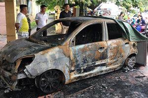 Tấn công, đốt cháy xe của Đại úy giao thông mới về công tác