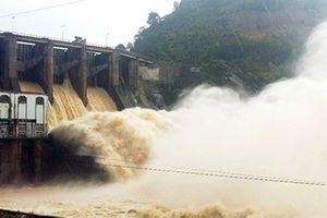 Hồ thủy điện Tuyên Quang, Hòa Bình, Sơn La liên tiếp xả lũ