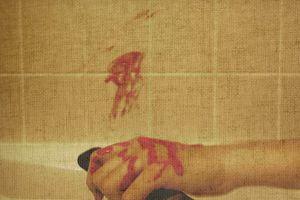 Đâm vợ bị thương rồi tự tử bằng thuốc trừ sâu vì mâu thuẫn tiền bạc