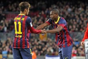 Wolves tiếp tục 'đốt cháy' phiên chợ hè với mục tiêu người cũ Barca