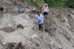 Sạt lở đất kinh hoàng ở Lai Châu: Nỗ lực tìm kiếm 6 người mất tích