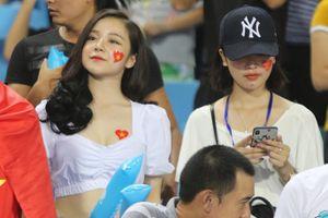 'Hotgirl' xinh đẹp 'tiếp lửa' U23 Việt Nam đánh bại U23 Palestine