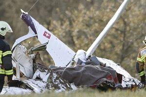 Hai máy bay rơi xuống núi ở Thụy Sĩ, nhiều người chết