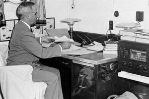 Truman lệnh ném bom nguyên tử xuống Nhật Bản như thế nào?