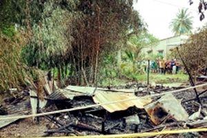 Cháy nhà ở Cà Mau, hai mẹ con tử vong