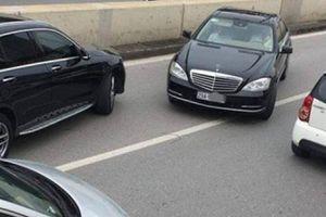 Ai cầm lái xe Mercedes biển ngũ quý đi ngược chiều trong hầm Kim Liên?