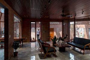 Những ngôi nhà gạch thô đẹp từng centimet ở Việt Nam