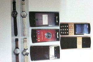 Camera 'tố' hàng xóm trộm đồng hồ Louis Vuitton, kim cương