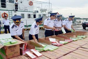 Bộ Tư lệnh Vùng Cảnh sát biển 1 bắt giữ gần 68.000 bao thuốc lá nhập lậu