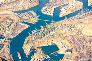 Cảng biển Mỹ chịu 'tai ương'